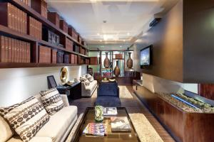 The lobby or reception area at 93 Luxury Suites & Residences