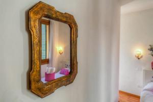 A bathroom at Residenza De L'Osmarin Suites