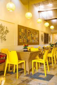 Um restaurante ou outro lugar para comer em Pousada Casamar