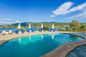 Πισίνα στο ή κοντά στο Βίλα Αριάδνη