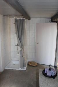 A bathroom at B&B De Oude Nadorst