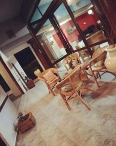 Ο χώρος του lounge ή του μπαρ στο Ξενοδοχείο Μπαλογιάννης