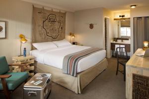 A room at Basecamp Boulder