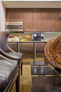 A kitchen or kitchenette at Inn at St. Botolph