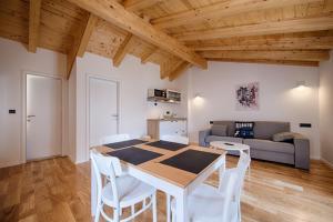 Salon ili bar u objektu Apartments Villa Glorija