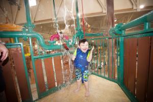 Children staying at Great Wolf Lodge Kansas City