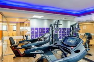 The fitness center and/or fitness facilities at Mercure Sao Paulo Naçoes Unidas