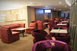 The lounge or bar area at Biz Hotel Batam