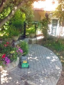 A porch or other outdoor area at B&B Porta Bazzano