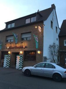 The facade or entrance of Zum Burghof