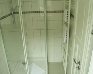 Ein Badezimmer in der Unterkunft Hotel Brauhaus Weyhausen