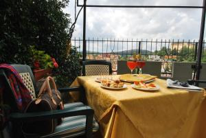 A restaurant or other place to eat at Hotel Ambrosi