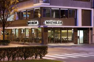 The facade or entrance of Holidaysuite Mathilda