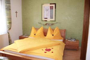 Ein Zimmer in der Unterkunft Haus Regina