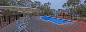 The swimming pool at or near Sommerville Valley Tourist Park & Resort