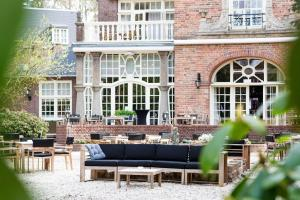 A patio or other outdoor area at Kasteel Kerckebosch