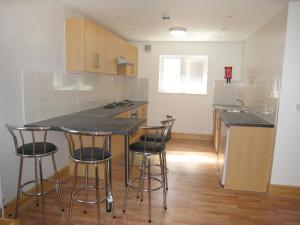 A kitchen or kitchenette at Apartment Sandringham-3