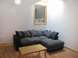 A seating area at Apartment Sandringham-3