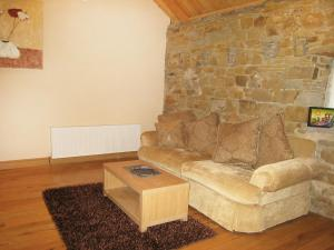 The lounge or bar area at Holiday Home Glenhouse