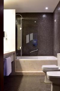 Salle de bains dans l'établissement Pousada Mosteiro do Crato