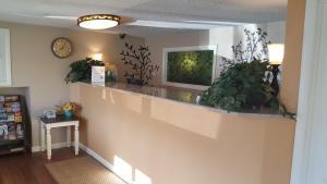 The lobby or reception area at Dartmouth Motor Inn