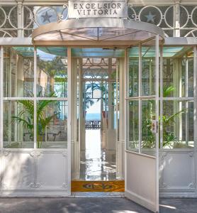 Façade ou entrée de l'établissement Grand Hotel Excelsior Vittoria