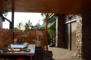 A porch or other outdoor area at Agrousadba Kamenetskoye Zatishye