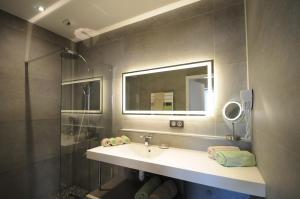 A bathroom at Nota Bene
