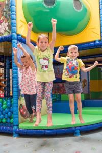 Ein Kinderspielbereich in der Unterkunft H2O-Hoteltherme