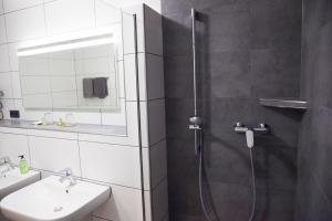 A bathroom at Pension Dalinghaus