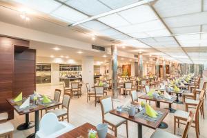 Ресторан / где поесть в Caravel Bike Hotel