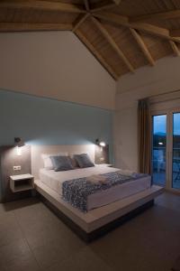 Ένα δωμάτιο στο Kotroni Villas