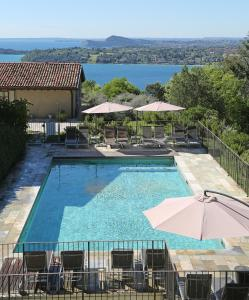 A view of the pool at Premignaga Natural Home or nearby