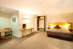 A room at Posthouse Motor Lodge