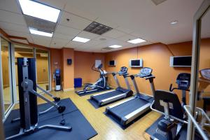 The fitness center and/or fitness facilities at Beacon Hotel & Corporate Quarters