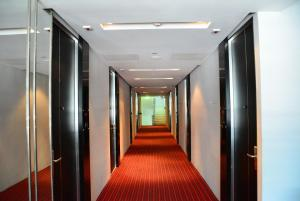 The business area and/or conference room at Trinity Silom Hotel