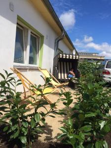 A porch or other outdoor area at Backpackers Inn Rostock