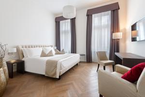 A room at H7 Palace