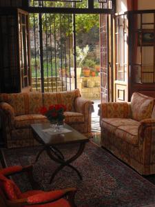A seating area at Il Giardino Segreto di Ascoli Piceno