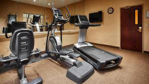 The fitness center and/or fitness facilities at Best Western Plus Shamrock Inn & Suites