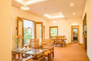 A restaurant or other place to eat at The Garden House Phu Quoc