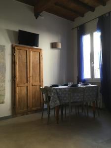 El salón o zona de bar de La Divina Dimora