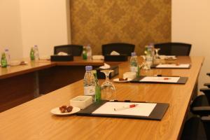 Área de negócios e/ou sala de conferências em Super 8 Al Riyadh