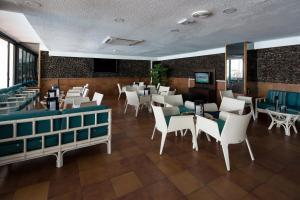 Un restaurante o sitio para comer en Catalonia Oro Negro