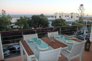 A restaurant or other place to eat at Apartamentos Mar de Alvor