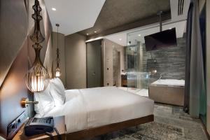 A room at DoubleTree by Hilton Istanbul - Piyalepasa