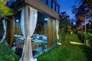 A garden outside DoubleTree by Hilton Istanbul - Piyalepasa