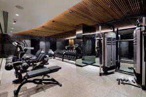 The fitness centre and/or fitness facilities at DoubleTree by Hilton Istanbul - Piyalepasa