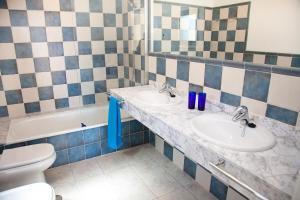 A bathroom at Villas Coloradas