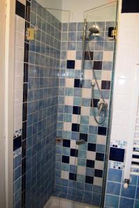 A bathroom at Il Guiscardo B&B
